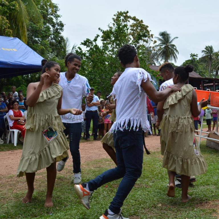Youth dancers in Bihmuna