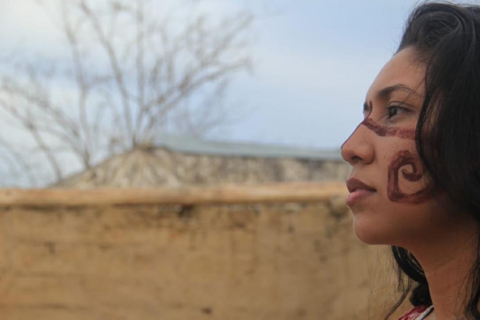 Side profile image of Qwenty Lopez, a Wayuu activist from Colombia and VIVA Girl Partner